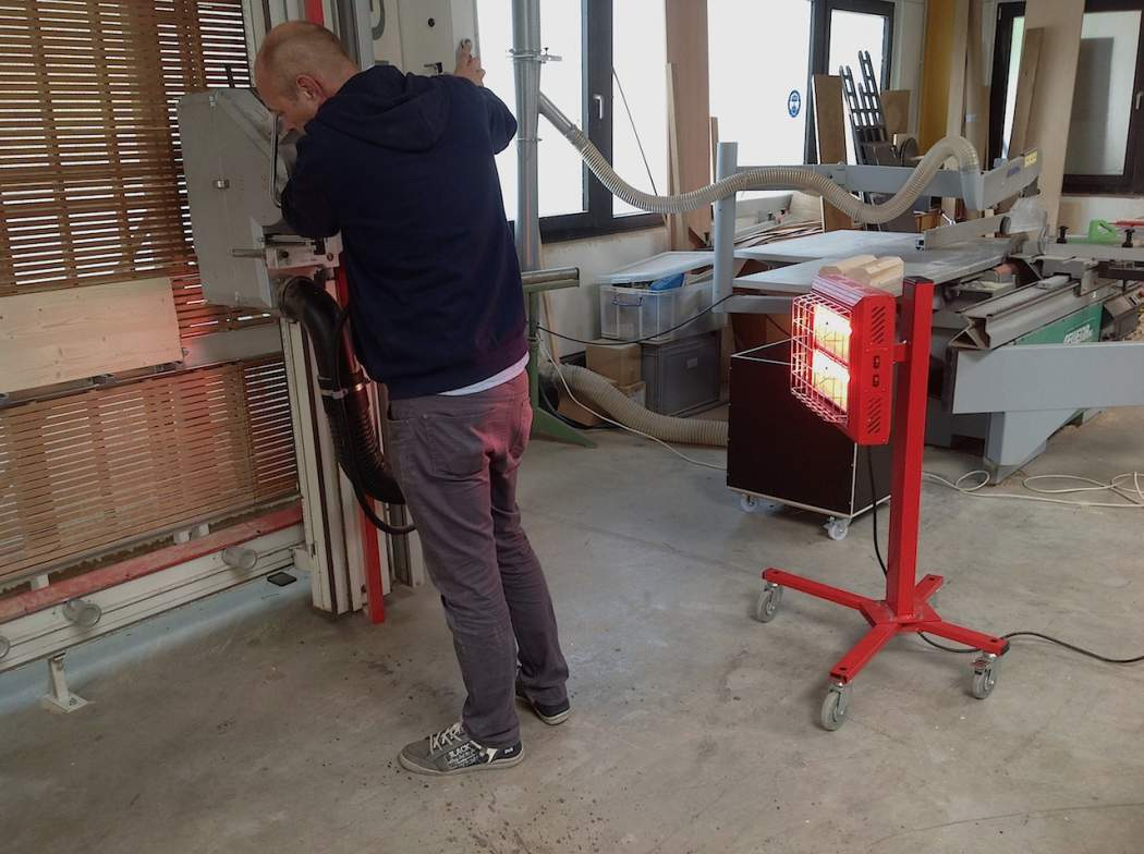 Tansun Spotter Portable Red Infrared Heater Heating Worker Using Machine In Construction Zone